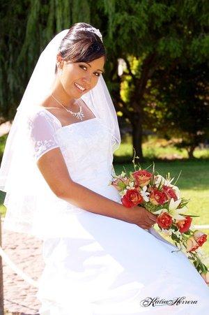 Srita. María Bárbara Leija Luna, el día de su enlace nupcial con el Sr. Moisés Sandoval Monsiváis.  <p> <i>Katia Herrera Fotografía.</i>