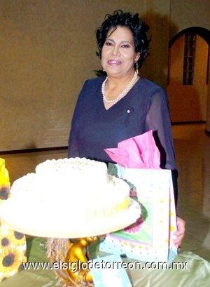 05112007 Andrea Olguin Amezcua fue festejada en su cumpleaños el pasado 31 de octubre.