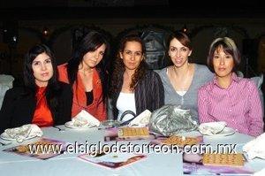 04112007 Ale Núñez, Claudia Aguilera, Zehenia Ramírez, Carolina Castro y Lolis Castro.