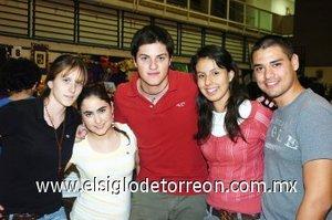 04112007 Andrea Villalobos, Marce Amarante, Luis Portales, Andrés Lopéz y Stephanie López.