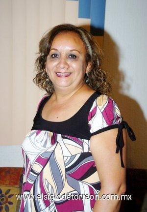 04112007 Ángeles Zubiría Salas fue festejada en su cumpleaños con una reunión organizada por sus hijas Sofía y Paola Sánchez Zubiría.
