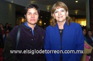 04112007 Iliana Meza y San Juanita Malacara, en reciente evento de aniversario.
