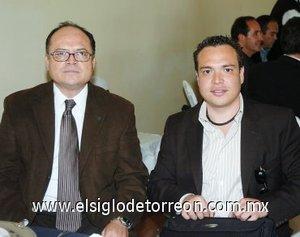 04112007 Juan Francisco Woo Favela y su hijo Juan Francisco Woo Villalobos, en la presentación de un nuevo Club de Sembradores.