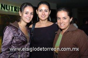 04112007 Karla y Janeth García Arce y Thalta Orozco García.
