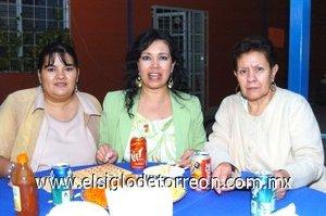 04112007 Lucila Rodríguez Blanco, Consuelo Blanco Ruiz e Ivonne Elizabeth Cervantes.