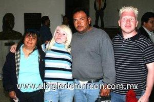 04112007 Mariángel Matamoros, Jennifer González, Sergio González y Miguel Matamoros.