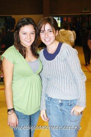 04112007 Marifer Gómez y María Ofelia de Torres.