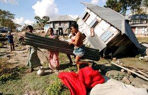 El ciclón Sidr, que arrasó al sur de Bangladesh, dejo al menos  dos mil 500 muertos, según el último recuento del Centro bengalí de Control de Desastres.