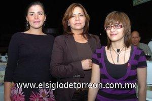 08112007 Ale Guangorena, Paty García y Karla López Nava.