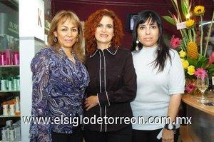 09112007 Gaby Sologaistoa, Lucero López Nava y Tere Hernández.