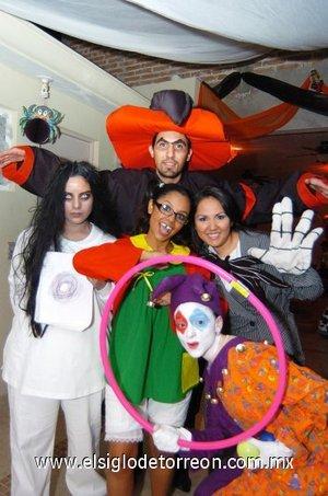 09112007 Quique Reyes, Wendy Alvarado, Angélica Alvarado, Lizbeth Gallardo y Lorena Soldevilla.