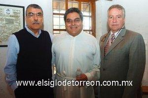 11112007 Alfredo Rojas y el Pbro. Gerardo Zataráin.