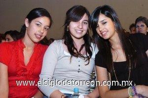 11112007 Andrea y Susy Aguirre e Ileana González.