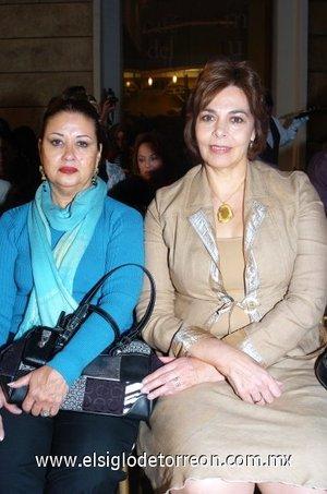 11112007 Bertha Martínez y Lucía Iduñate.