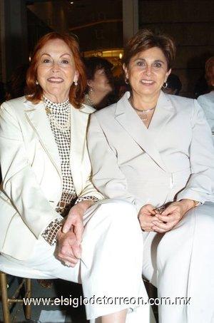 11112007 Butsy de Villalobos y Nancy de Kury.