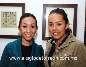 11112007 Carla Macías y Claudia Manzanera.