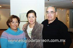 11112007 Elizabeth Solís, Silvia y Juan Manuel Flores.