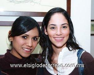 11112007 Laura Valdés y Cindy Saucedo.