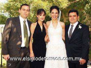 11112007 Marcela y José Antonio junto a Marco e Ileana Rosales.