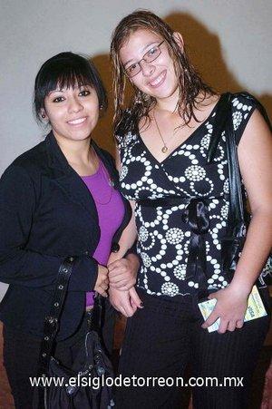 11112007 Monserrat Jaramillo y María de Lourdes Gámez.
