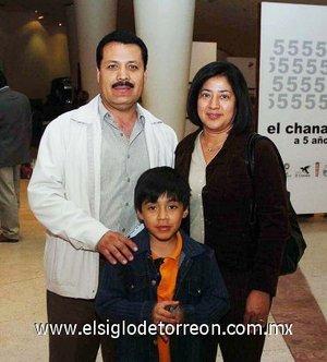 11112007 Sergio García, Silvia Hernández y Edson García.
