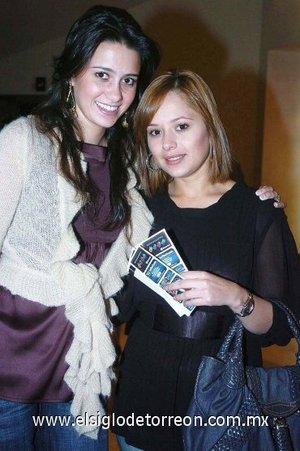 11112007 Susy Delgadillo y Claudia Rebollo.