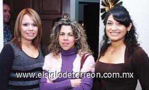 11112007 Tere Mares, Vicky Fernández y Fabiola Vizcarra.