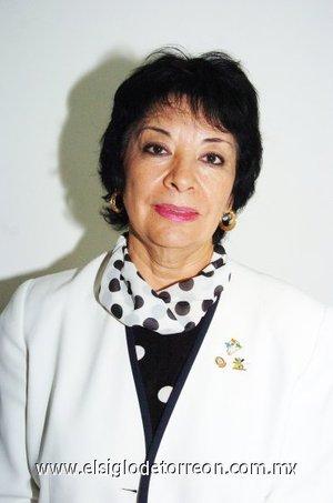 14112007 Irma Martínez Vacio, presidenta del Club Rotario Torreón Centenario, invita a las laguneras a la campaña de salud integral para la mujer, a efectuarse este jueves.
