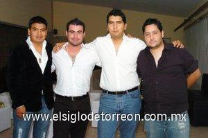16112007 Pepe con sus amigos Jesús, David y Carlos.