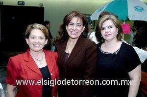 17112007 Leticia Catalán, Linda Rodríguez y Ana Carmen de Cárdenas.