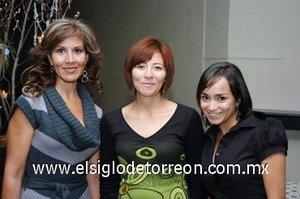 17112007 Rocío Muñoz, Jéssica López y Alejandra Gámez asistieron a la conferencia Navidad Inspiración Artística.