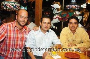 18112007 David González, Raúl Muñiz y Humberto Mexsen.