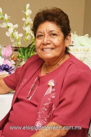 18112007 Hermelinda Hernández de Haro celebró su cumpleaños número 55 con agradable reunión.