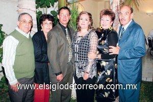 20112007 Carlos y Silvia, en la compañía de Celedonio Mora, Lolita de Mora, Silvia de Ceniceros y Carlos Ceniceros.