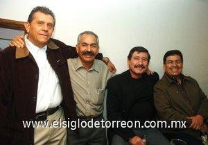 23112007 Héctor Urbina, Alberto Castañeda, Jesús Robles y Guillermo Contreras, ex alumnos del Tec de La Laguna.