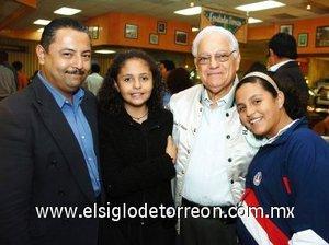 23112007 Pedro Antonio, Fernanda, Pedro Héctor y Mariana Rivas.