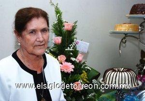 25112007 Leonor Sánchez Sánchez celebró sus 81 años de vida con un alegre convivio organizado por sus hijos.