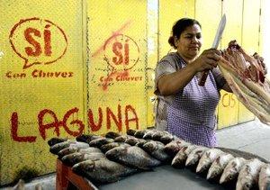 Comerciantes dicen que ha perdido la fe en Chávez al ver la ascendente cifra de homicidios en su zona.