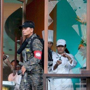 Los rebeldes exigían la dimisión de la presidenta de Filipinas, Gloria Macapagal Arroyo, a la que acusan de corrupción.