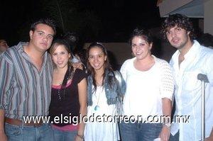 26112007 Berenice Cepeda, Diana Nahle, Andrea Arriola y Braulio Rodríguez con Salvador.
