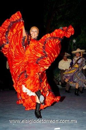 18112007 Nahucalli deleitó a los asistentes con un colorido espectáculo en el TIM.