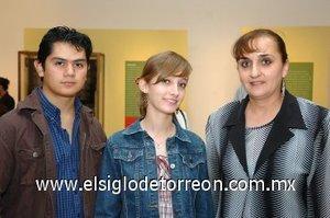 25112007 Héctor Murillo, Lorena Herrera y María de Herrera.