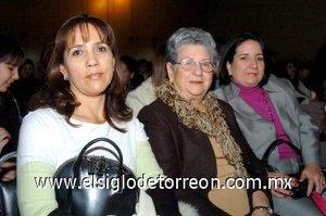 25112007 Yolanda Bello, Yolanda Garza y Karín Luján.