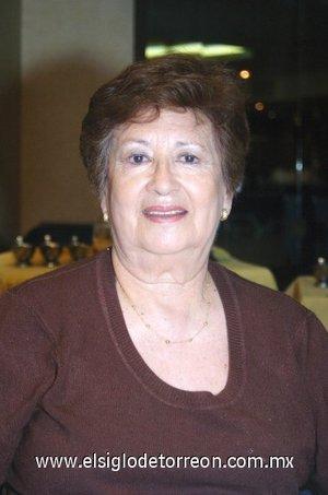 28112007 Celebró su cumpleaños recientemente la señora Elena Ortueta.