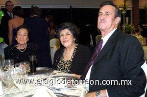 29112007 Aurora Medellín, Martha de Chávez y Juan Antonio Chávez.