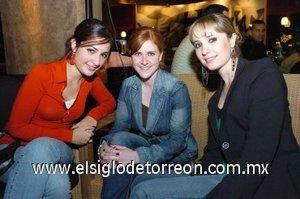 30112007 Mayela de la Garza, Lizeth Gidi y Daniela Teele.