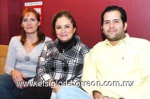 30112007 Susana García, Leticia Olvera y Alfonso Barrón.