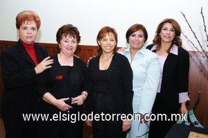 30112007 Elvira de Arredondo, Julieta Barneche, Mónica Vial de Sánchez Fierro, Marisa de Morales y Fina Ganem.