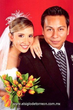 Ing. Jorge Alberto Cruz Álvarez y Lic. Ana Érika Fernández Campa unieron su vida en sagrado matrimonio en la parroquia de Nuestra Señora Reina delos Ángeles, en San Pedro Garza García, Nuevo León, el sábado 29 de septiembre de 2007.