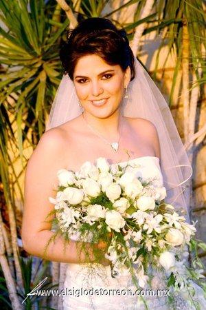 Srita. Valeria Jardón Castro el día de su enlace nupcial con el Sr. Francisco Towns Izaguirre. <p> <i>Estudio Alfredo Martínez.</i>